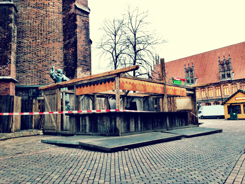 20131120-Aufbau-Weihnachtsmarkt-Altstadt-Hannover-1