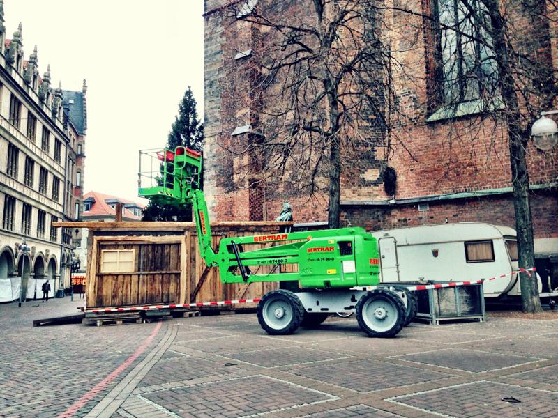 20131120-Aufbau-Weihnachtsmarkt-Altstadt-Hannover-3