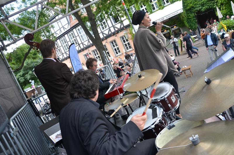 20120609-Manoo-Jazz-am-Ballhof-Altstadt-Hannover-15
