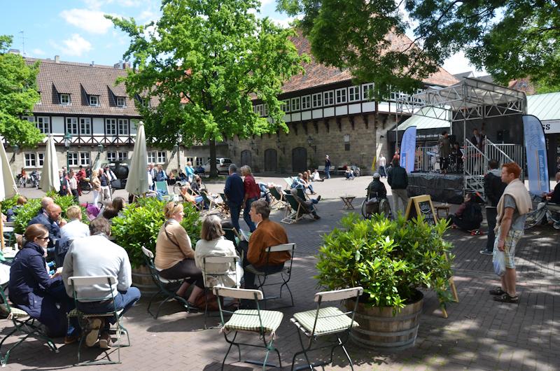 20120609-Manoo-Jazz-am-Ballhof-Altstadt-Hannover-8