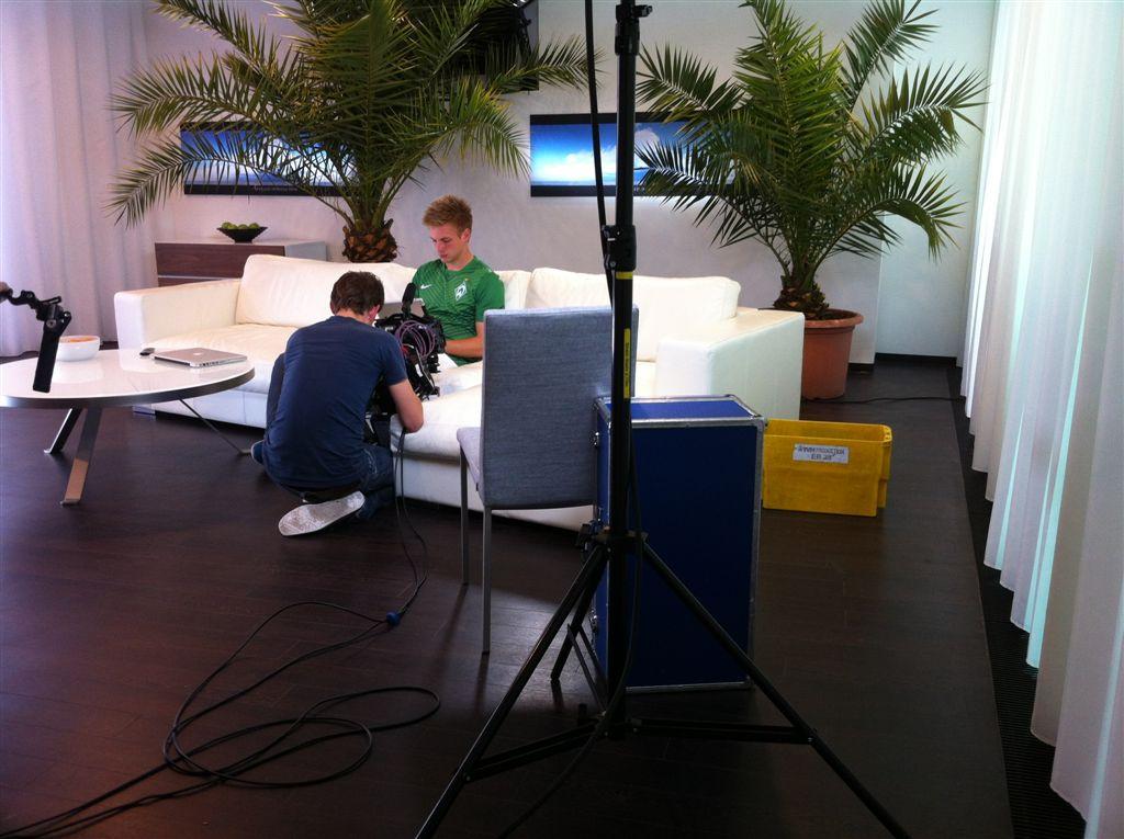 Lutzmann-Kerger-Dreharbeiten-EWE-Spot-Bremer-Weserstadion-20120602-14