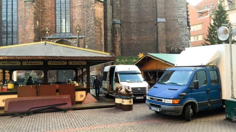 Aufbau Weihnachtsmarkt Hannover