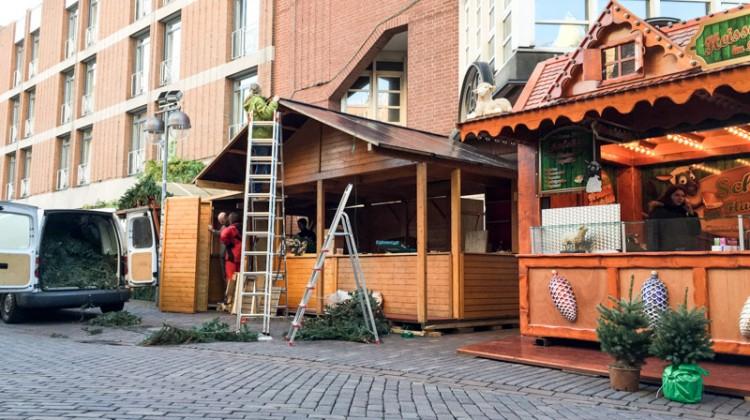 20141124-Weihnachtsmarkt-Aufbau-Altstadt-Hannover-04