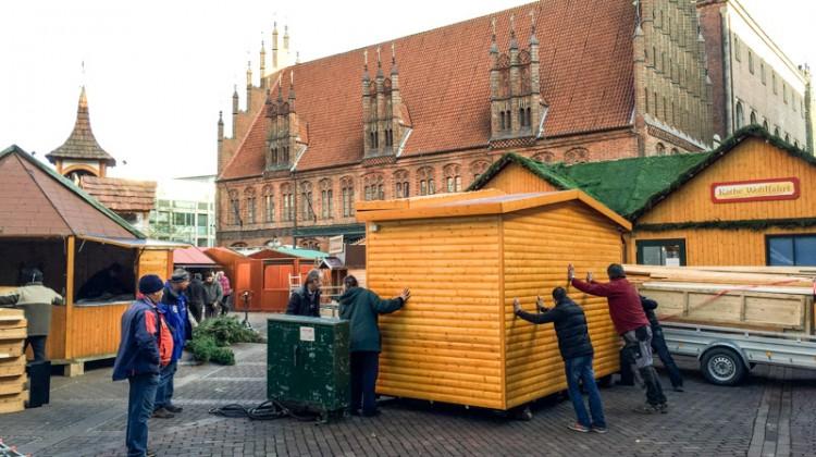 20141124-Weihnachtsmarkt-Aufbau-Altstadt-Hannover-05